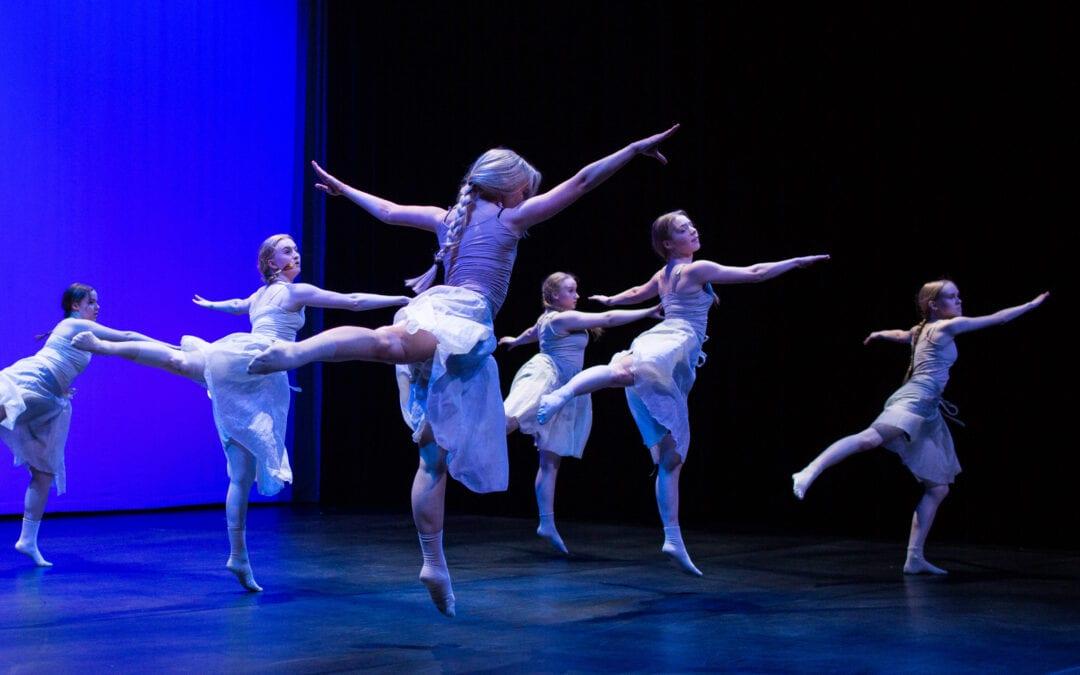 Tanssistudion jää joululomalle 18.12! Kevään tunnit alkaa perjantaina 15.1.2021.